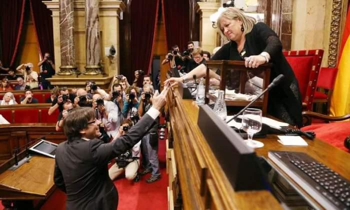 La revoca del mandato di arresto europeo contro Puigdemont è per luipeggiorativa